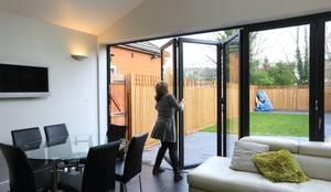 Single Storey Extension, Roxborough Rd II: modern Kitchen by London Building Renovation