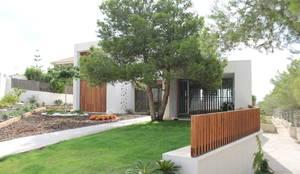 BYR_PARCELA_03: Casas de estilo mediterráneo de miguel cosín