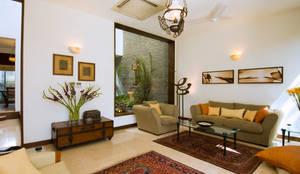 B Residence : modern Houses by Kumar Moorthy & Associates
