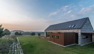 Maisons de style de style Moderne par Kropka Studio