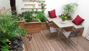 Giardino in stile in stile Moderno di Fenton Roberts Garden Design