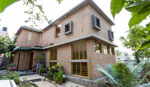 Casas de estilo asiático por Biome Environmental Solutions Limited
