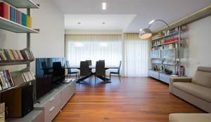 Salon de style de style Moderne par Archifacturing