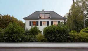 architekturb ro lehnen villa am rhein stra enansicht. Black Bedroom Furniture Sets. Home Design Ideas