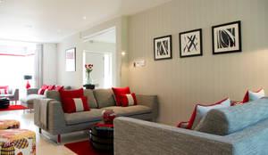 Contemporary Living room: modern Living room by LLI Design
