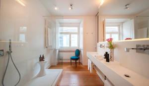 Salle de bain de style de style Moderne par Home Staging Factory