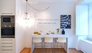 kitchen: Cozinhas minimalistas por Home Staging Factory