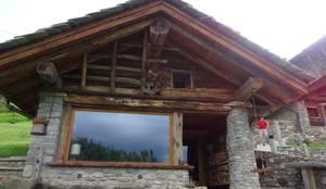 Calda cucina per baita di montagna di Mobili Pellerej di Pellerej ...