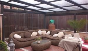 Jardines de invierno de estilo minimalista por CERRAMIENTOS ALUMEN&MUÑOZ  S.L