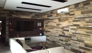 Salas de estar modernas por KAUS