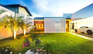 Projekty, nowoczesne Domy zaprojektowane przez Rafaela Dal'Maso Arquitetura
