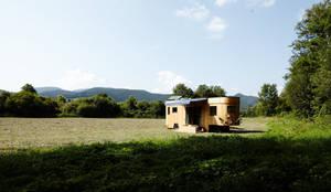 Projekty, nowoczesne Domy zaprojektowane przez Wohnwagon