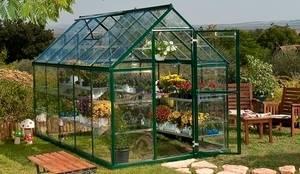 Invernaderos: Jardines de estilo moderno de Naipex Jardín, S.L.U.