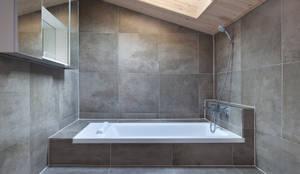 modern Bathroom by 리을도랑아틀리에