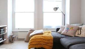 skandinavische Wohnzimmer von deDraft Ltd