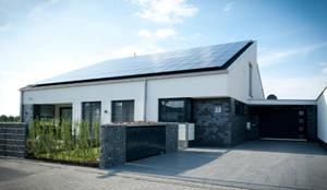 Einfamilienhaus mit doppelgarage modern  Neubau Einfamilienhaus mit Garage in Erkelenz von Architekturbüro ...