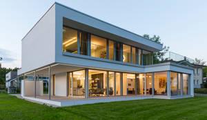 Musterhaus Bad Vilbel :  Einfamilienhaus von ARKITURA GmbH