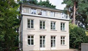 Villa in Zehlendorf:  Häuser von Müllers Büro