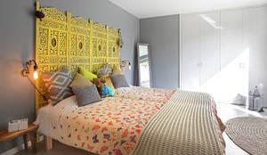 Habitaciones de estilo mediterráneo por ROSA PURA HOME STORE