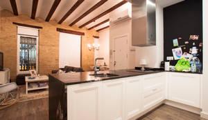 Decoración con un toque rural: Cocinas de estilo  de Estatiba construcción, decoración y reformas en  Ibiza y Valencia