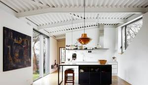 miba architects의  주방