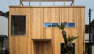 Projekty, eklektyczne Domy zaprojektowane przez エンジョイワークス