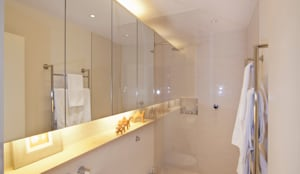 Banheiros escandinavos por Gullaksen Architects