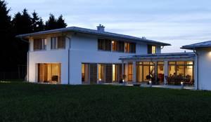 Abendstimmung:  Einfamilienhaus von Architekt Namberger,