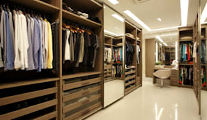 Dressing room by Arquitetura e Interior,