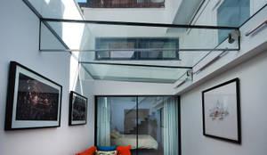 بيت زجاجي تنفيذ Guttfield Architecture