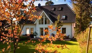 Ein Haus für die ganze Familie: klassische Häuser von Haacke Haus GmbH Co. KG