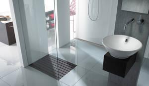 ACO ShowerDrain douchegoot & Walk-in: moderne Badkamer door ACO  BV