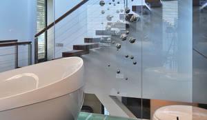 dom xv w Krakowie: styl , w kategorii Łazienka zaprojektowany przez RS+ Robert Skitek