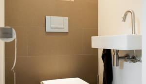 Toilet:  Gang en hal door Studiohecht