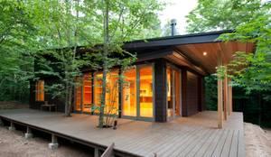 บ้านและที่อยู่อาศัย by 吉田建築設計事務所