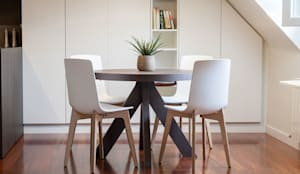 modern Dining room by URBANA 15