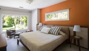Dormitorios de estilo moderno por Estudio Sespede Arquitectos