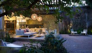 Jardines de estilo moderno por Vieyra Arquitectos