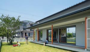 アートレ建築空間 一級建築士事務所의  주택