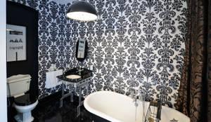Grand Design London Ltd: klasik tarz tarz Banyo