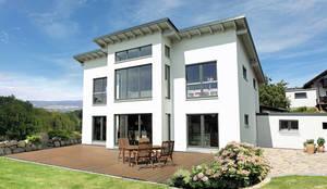 VENTUR 320 - Glaserker über zwei Etagen:  Einfamilienhaus von FingerHaus GmbH