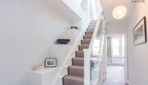 Couloir, Entrée & Escaliers de style de style Moderne par TOTUS