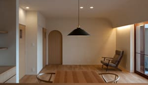 DK: 宇佐美建築設計室が手掛けたリビングです。