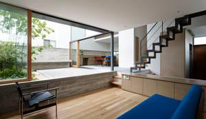 家族の家: 小野里信建築アトリエが手掛けた家です。