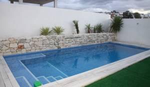 Vista de la piscina: Piscinas de estilo  de Mohedano Estudio de Arquitectura S.L.P.