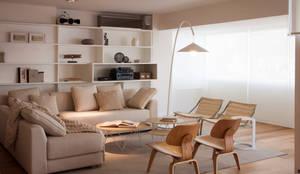 moderne Woonkamer door Paula Herrero | Arquitectura