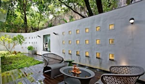 Terrazas de estilo  por TAO Architecture Pvt. Ltd.