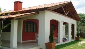 Nhà by Mina Arquitetura & Construções