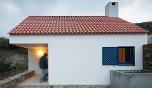 Nhà by SAMF Arquitectos