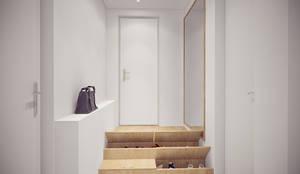 Couloir et Hall d'entrée de style  par YOUR PROJECT